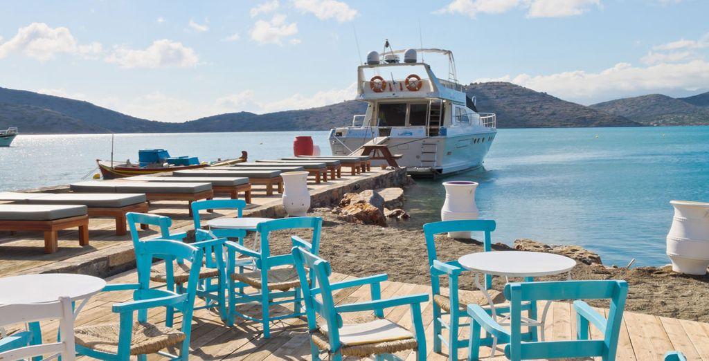 Al bar sulla spiaggia i colori sono ispirati a quelli del mare