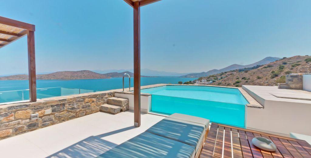 o in camere Deluxe vista mare con piscina privata, in un contesto davvero incredibile