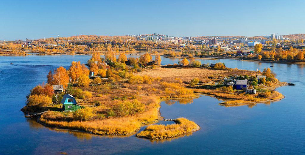 Irkutsk, bagnata dal mitico Angara