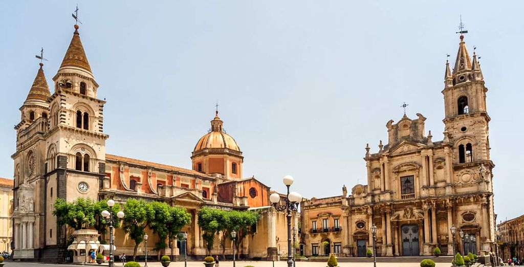 Visitate e scoprite i bellissimi monumenti della cittadina di Acireale
