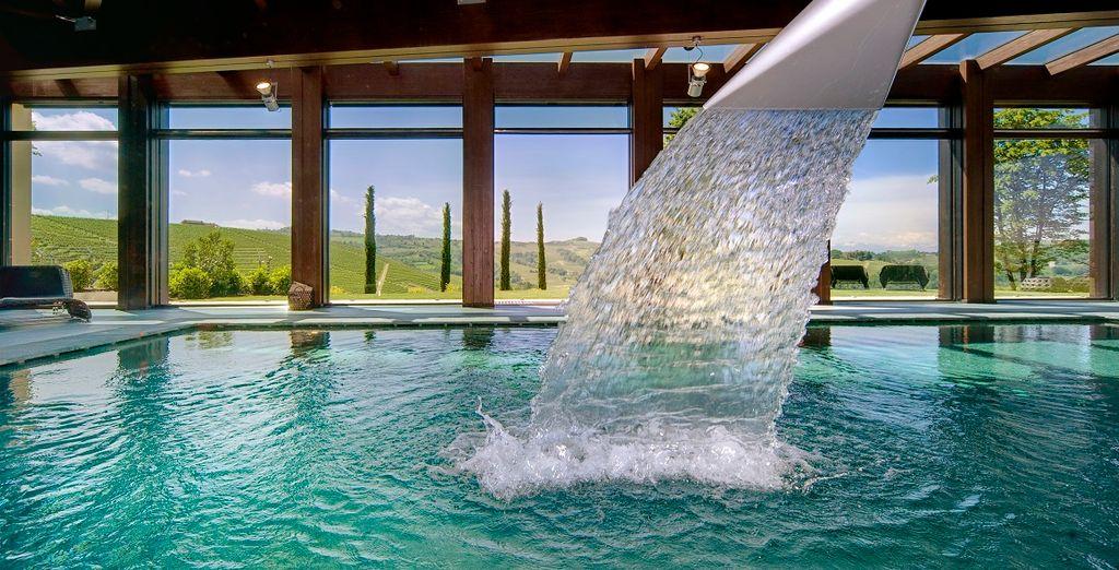 e tuffatevi nella piscina riscaldata della spa