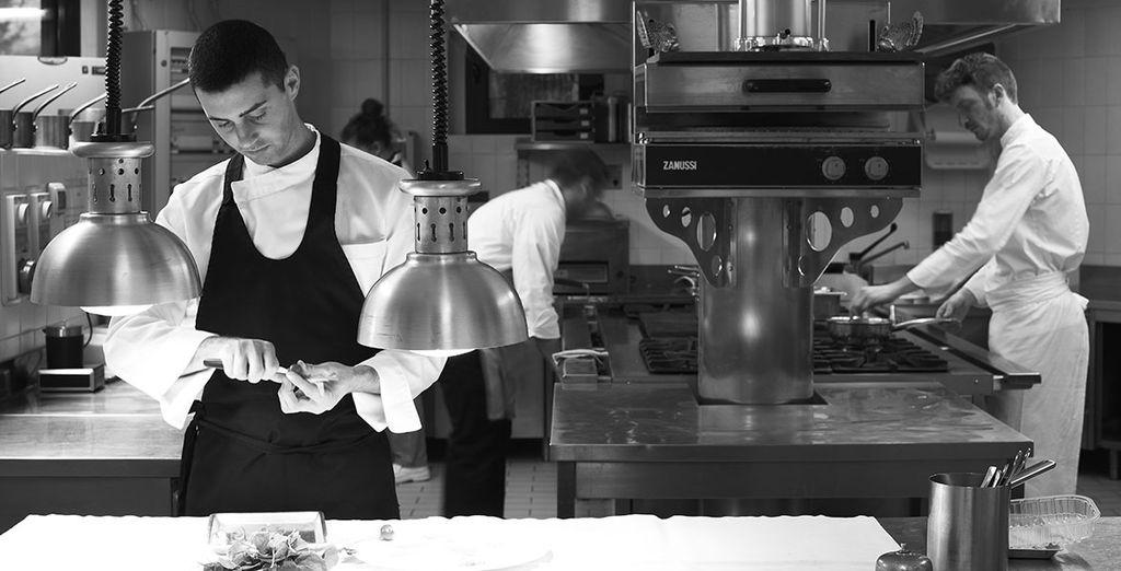 Tutte le portate sono preparate con maestria sotto la guida dello Chef stellato