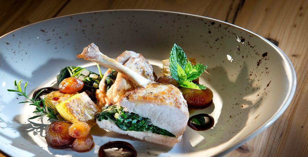 con mix di creazioni moderne e piatti tradizionali delizierà il vostro palato
