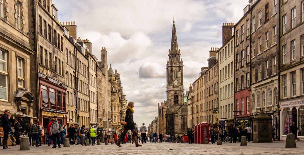 ogni angolino di Edimburgo vi incanterà