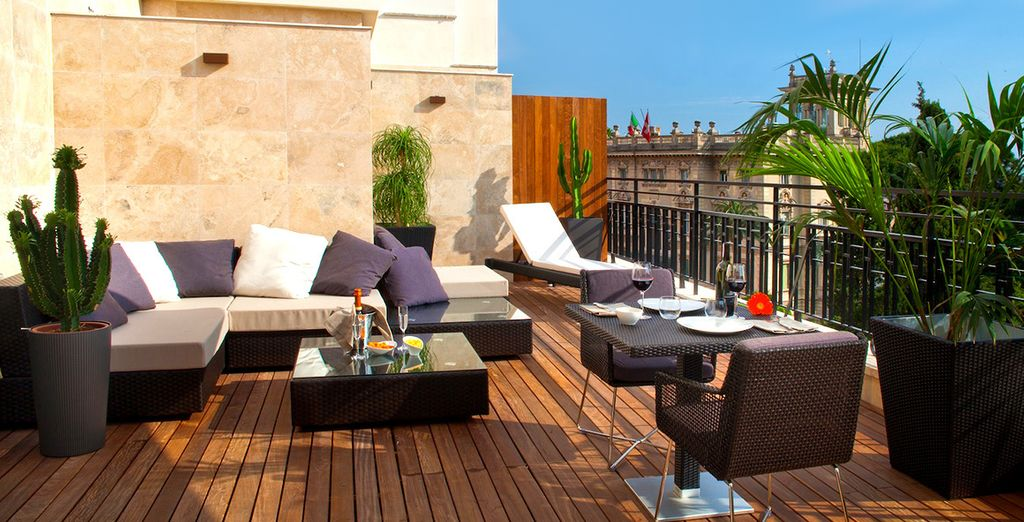 Con una splendida terrazza su Roma il Berg Luxury Hotel 4*S vi attende