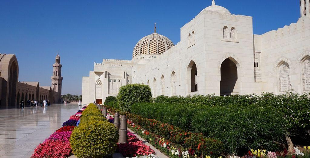 Ammirate la Grande Moschea del Sultano Qaboos
