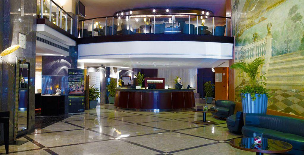 L'Hotel NH Napoli Ambassador è pronto ad accogliervi