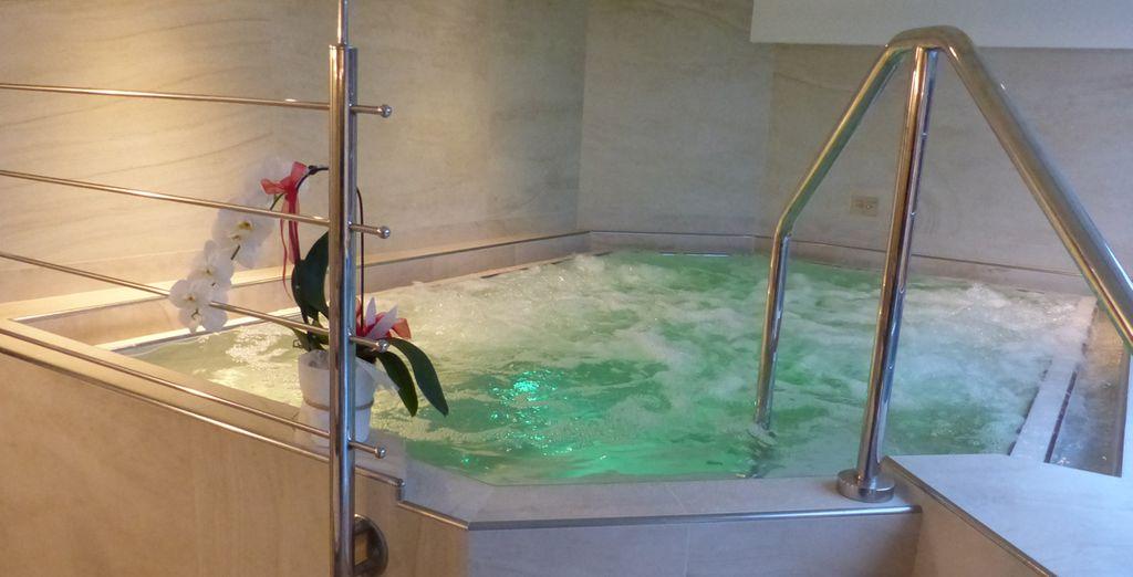 Rilassatevi nella vasca con idromassaggio dopo una giornata sulle piste da scii