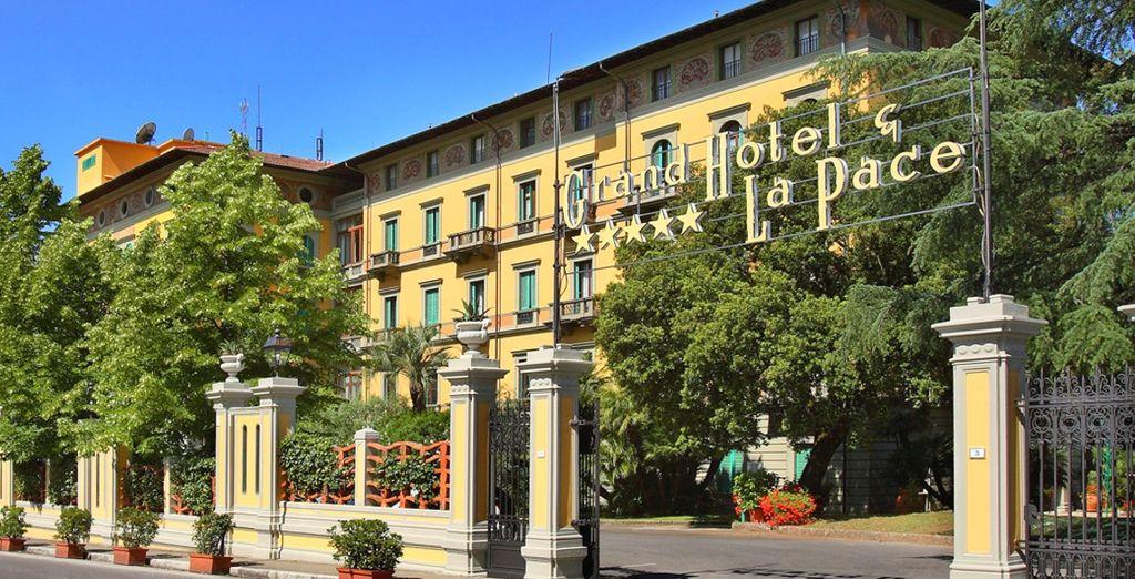Il Grand Hotel & La Pace Spa 5* è pronto ad accogliervi nella splendida Montecatini Terme
