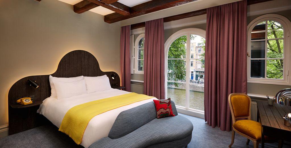 Tutte godono di una splendida vista sul canale o sul giardino interno dell'hotel