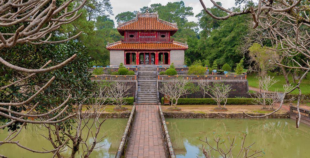 e il mausoleo dell'imperatore Minh Mang