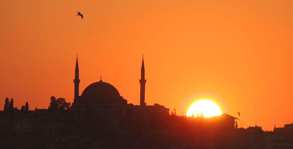 con i suoi minareti che disegnano panorami spettacolari