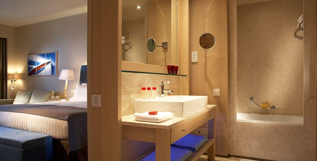 Potrete scegliere tra le ampie e confortevoli Camere Deluxe Vista Giardino