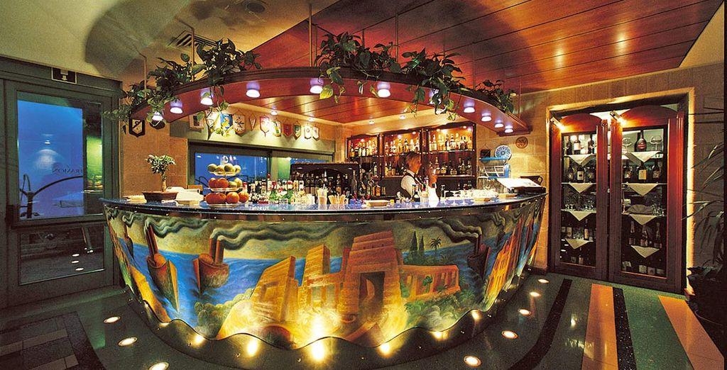 potete inoltre sorseggiare un buon drink al bar