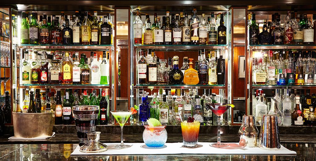 Il Capital Bar è il luogo ideale per gustare un rinfrescante cocktail dopo una giornata passata alla scoperta della città