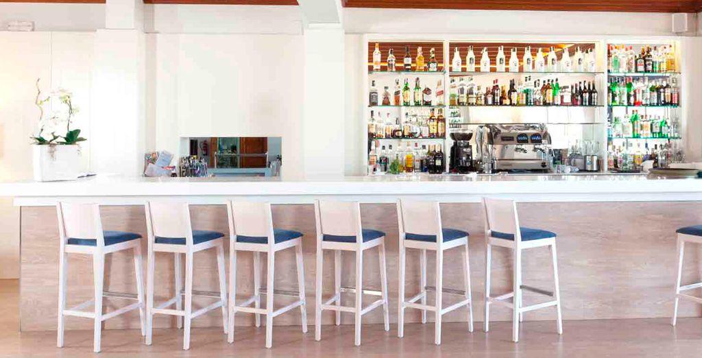 Il bar è a vostra disposizione per un drink
