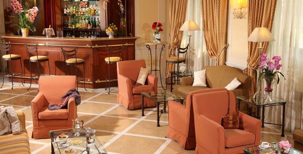 con interni dal design classico ed elegante