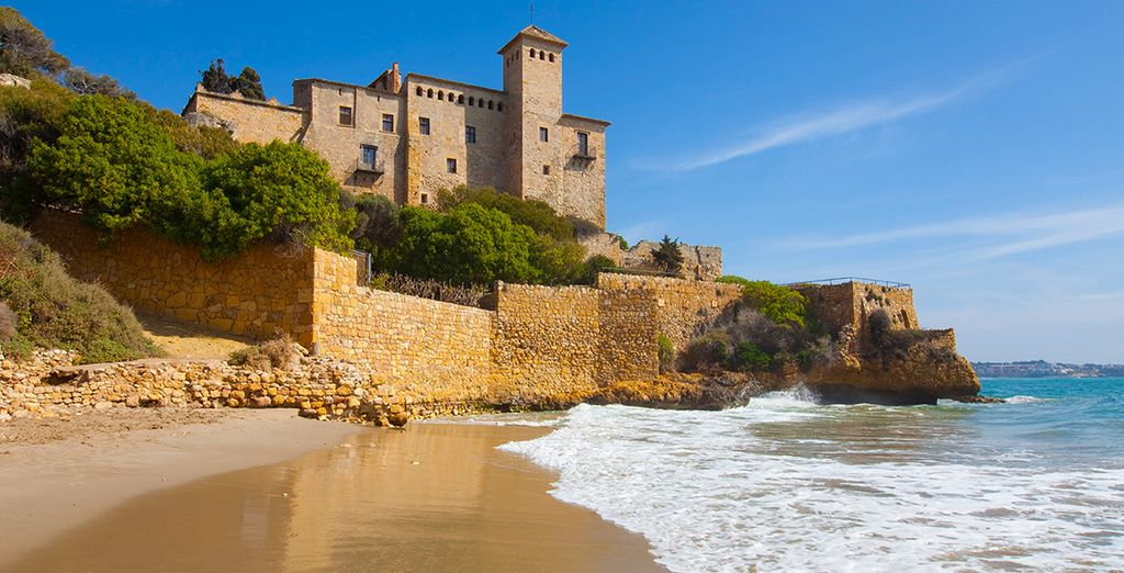 Scoprite i dintorni come il Castello di Tamarit, sulla costa di Tarragona