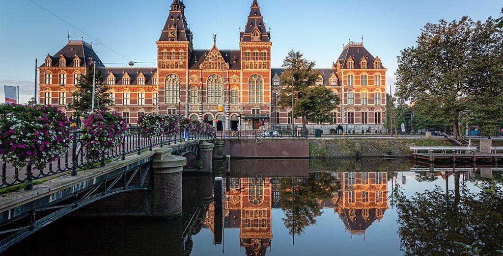 Fotografia della città di Amsterdam e della sua bella architettura