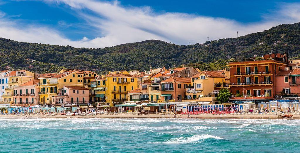 Fotografia della Liguria e delle sue spiagge di sabbia fine