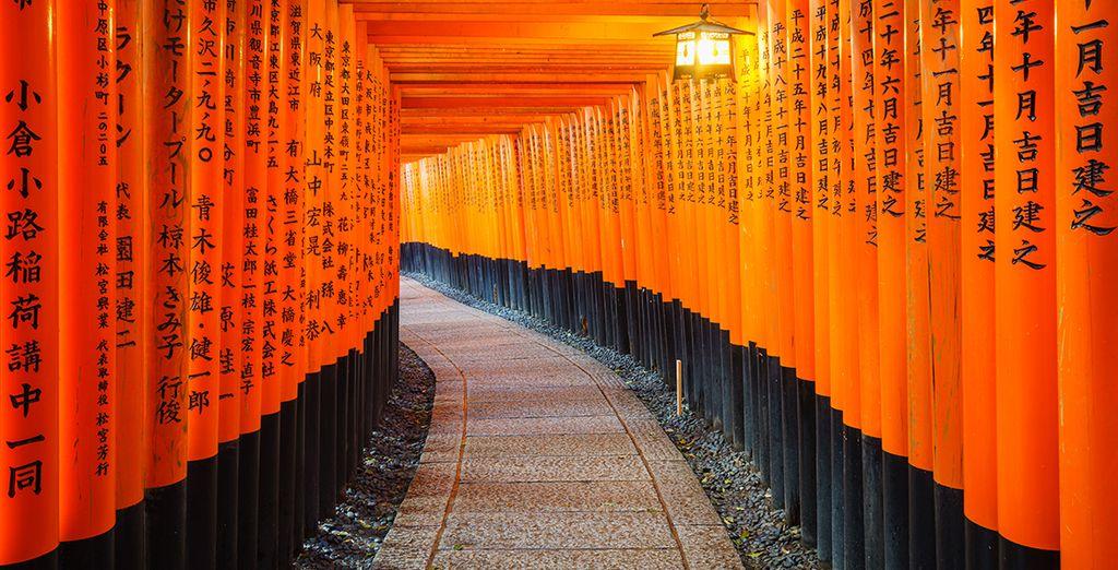 Poi, dopo un comodo viaggio in treno arriverete a Kyoto nel tempio di Kiyomizu