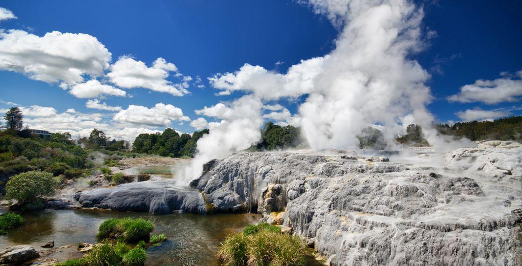 Paesaggio geotermico in Nuova Zelanda