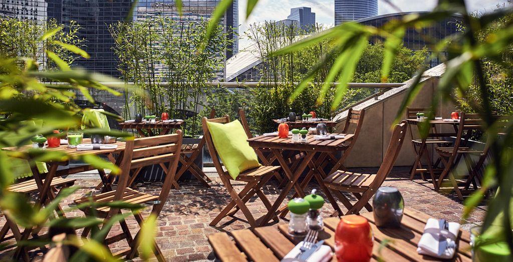 Che con la sua terrazza si affaccia sul bellissimo quartiere La Défense