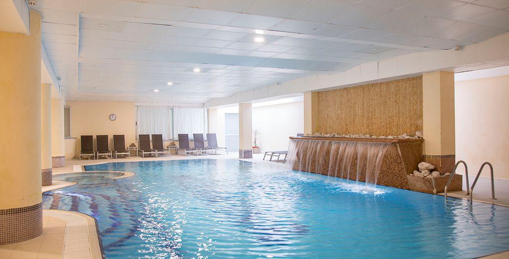 Il centro benessere con piscina coperta
