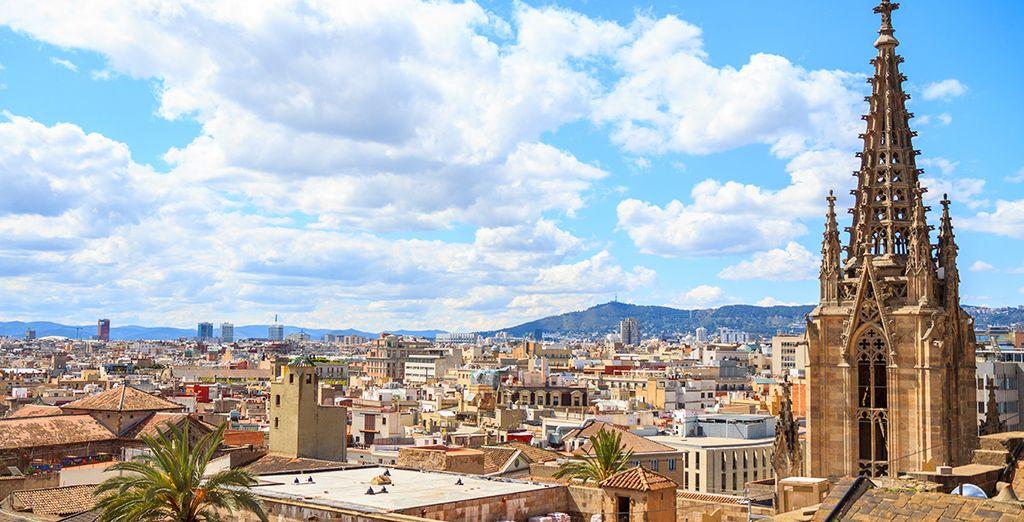 Fotografia della città di Barcellona dall'alto e dei suoi quartieri gotici