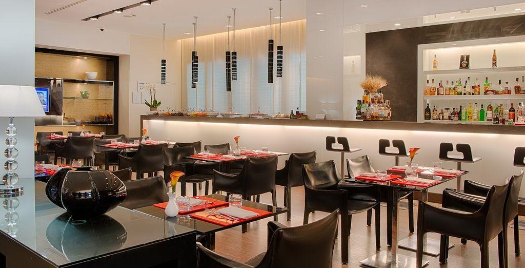 Regalatevi un drink o una cena in uno spazio accogliente.