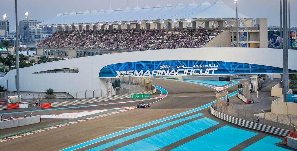 Per gli appassionati di Formula 1, la possibilità di vivere un'esperienza indimenticabile presso il magnifico Gran Premio F1 di Abu Dhabi