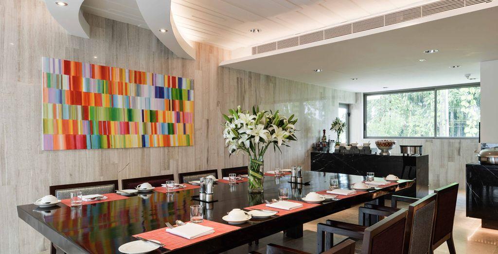 Il ristorante Trilogy è un teatro di cucina dal vivo dove chef stellati mostrano le loro abilità