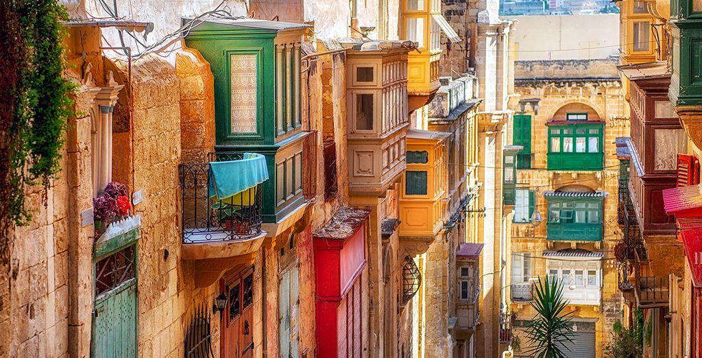 Verdwaal in de kleurrijke straten van het eiland