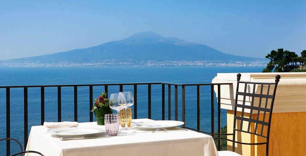 Met de Middellandse zee en de Vesuvius op de achtergrond