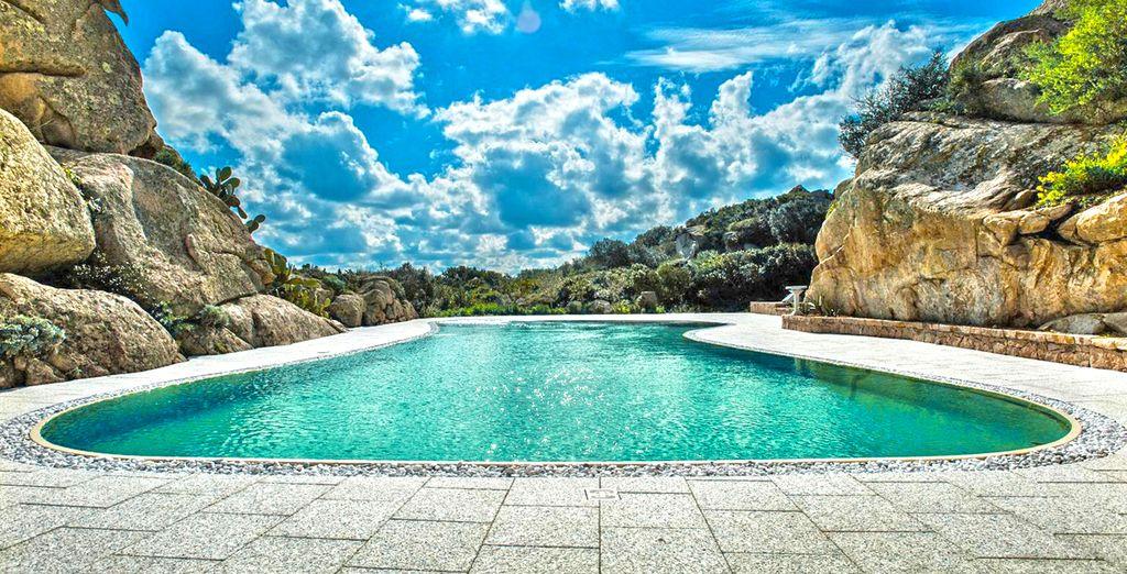 Neem een verfrissende duik in het prachtige Magnazwembad
