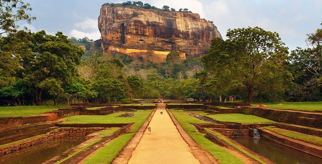 U brengt ook een bezoek aan het fort van Sigirya