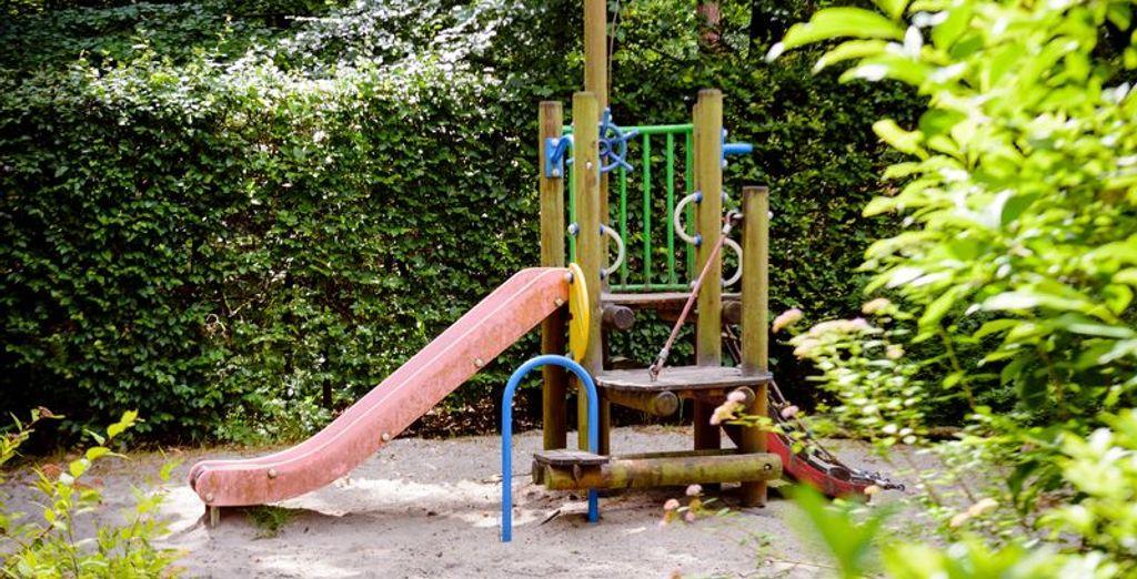 Voor een middagje in de speeltuin, een van de attractieparken in de buurt...