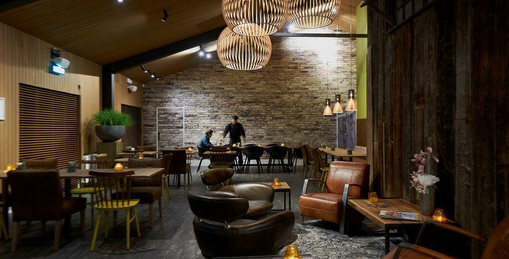 Het à la carte restaurant is modern en gezellig ingericht