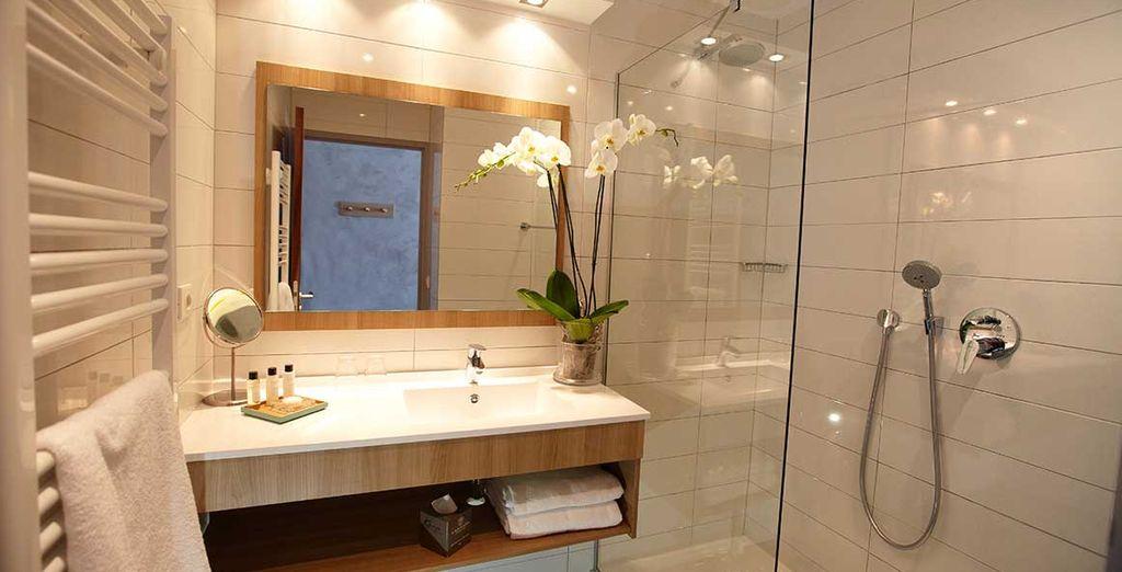 En een luxueus ingericht badkamer
