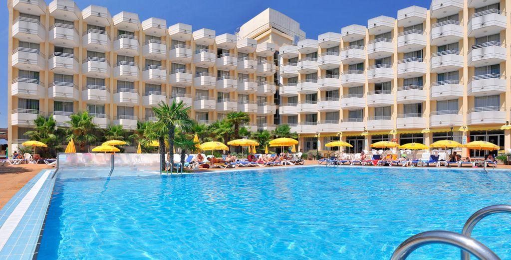 In het 4* hotel GHT Oasis Tossa & Spa
