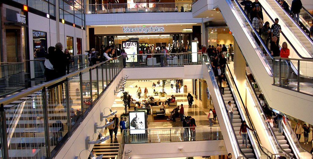 U vindt er het fantastische shoppingcenter Westfields ...