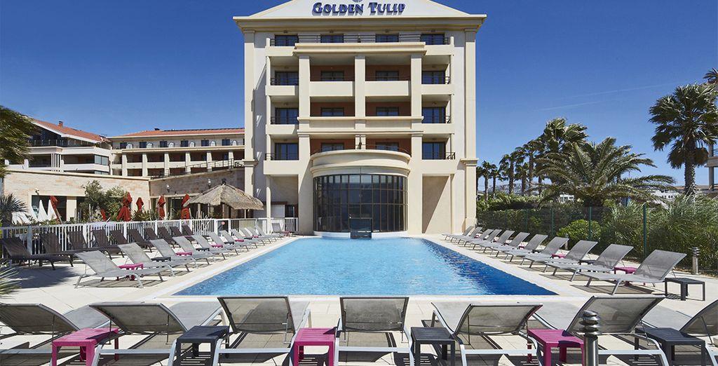 U verblijft in het Golden Tulip Villa Massalia...