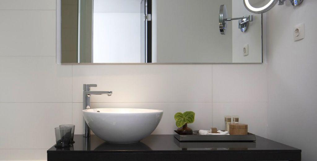 Met een volledig ingericht en comfortabel badkamer