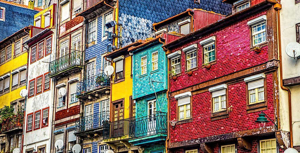Bewonder de kleurrijke architectuur