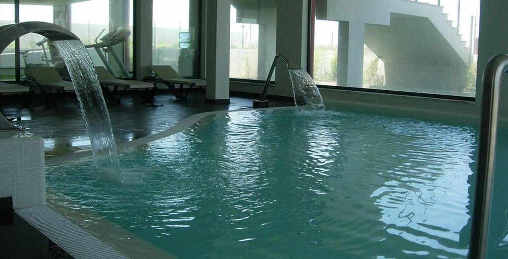 Ontspan in de zwembaden, sauna, bubbelbad en Turks bad