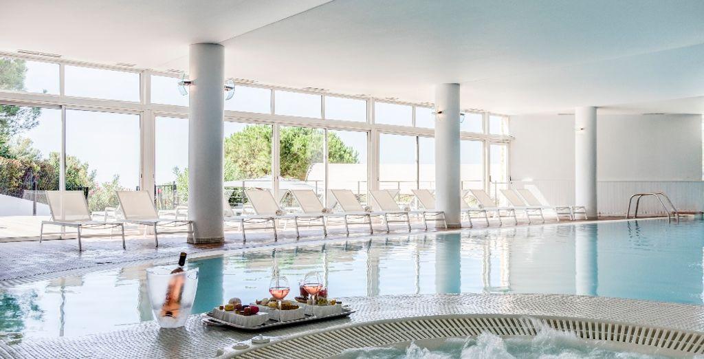 Het hotel beschikt over uitstekende faciliteiten, zoals het bubbelbad of het binnenzwembad