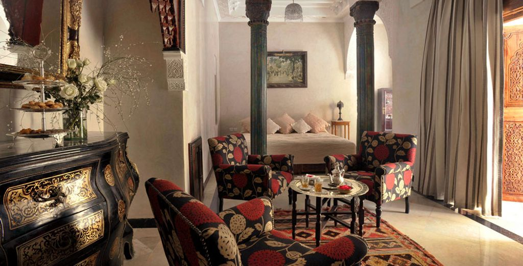 Or maybe you would prefer to unwind in front of the fireplace of the Suite