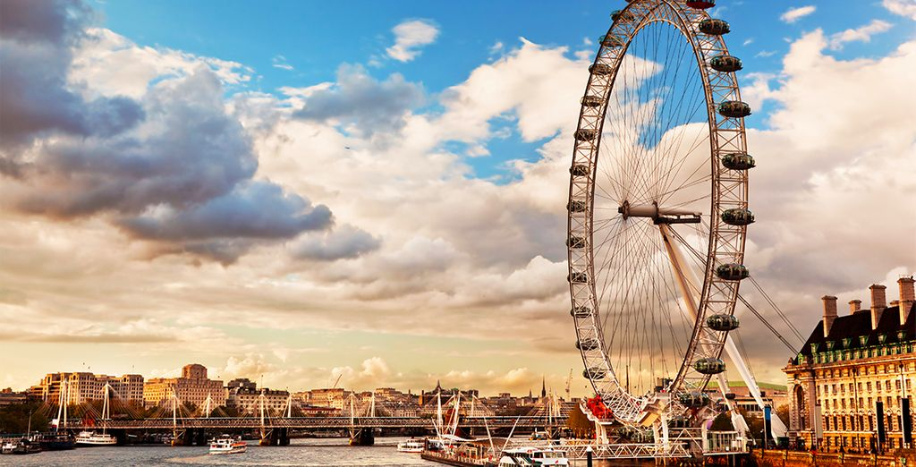 Tour to discover London's emblematic symbols, starting with London Eye