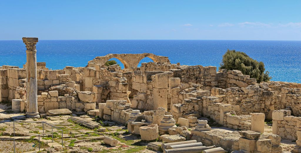 Discover Cyprus and its history with Voyage Privé