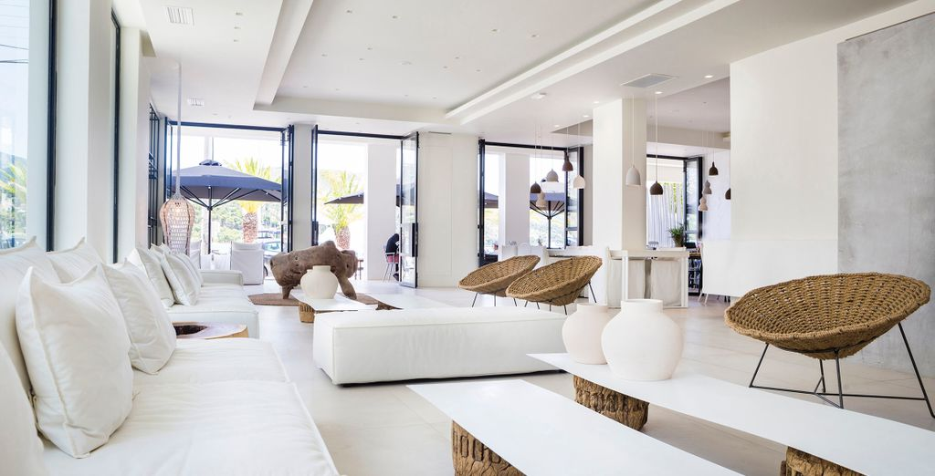 Relax for a moment in the contemporary lobby of this incredible 4* hotel